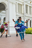 印地安舞蹈家在Istana,新加坡执行 免版税库存图片