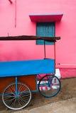 印地安街道生活的明亮的颜色 南印度,泰米尔纳德邦 免版税图库摄影