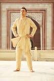 印地安衣裳的年轻人 免版税库存照片