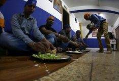 印地安锡克教徒的午餐时间02 库存图片