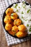 印地安食物:Dum在一个调味汁的aloo土豆与米特写镜头 Ve 库存照片