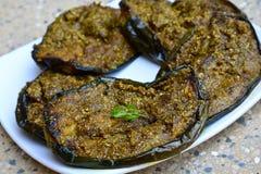 印地安食物-油煎的brinjal用香料 免版税库存照片