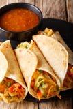 印地安食物Frankies :用菜特写镜头充塞的Roti卷 免版税库存照片