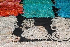 印地安首饰时尚首饰成串珠状塑料,另外颜色 免版税图库摄影
