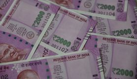 印地安货币,二千印度卢比在背景中 免版税库存照片