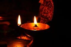 印地安黄铜油灯 库存图片