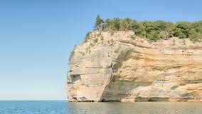 印地安头,湖岸被生动描述的岩石国民, MI 免版税图库摄影