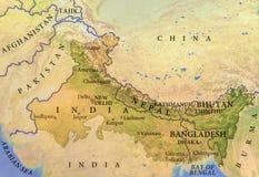 印度、尼泊尔、不丹和孟加拉国的地理地图有重要城市的 免版税库存照片