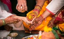 印度婚礼仪式Kanyadaan 免版税库存图片
