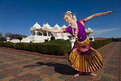 印度寺庙舞蹈演员 免版税库存图片