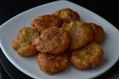 印度尼西亚土豆油炸馅饼或perkedel 免版税库存照片