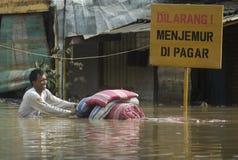 印度尼西亚季节性洪水的原因 库存图片