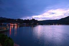 印度尼西亚湖日出户田 免版税库存照片