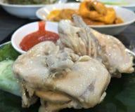 印度尼西亚烹调, Ayam流行音乐鸡Hidang样式Padang食物 库存照片