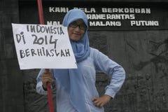 印度尼西亚的行动和看起来俏丽的村庄构成学生2014年 图库摄影