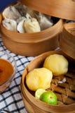 印度尼西亚食物土豆Baso Tahu万隆 库存图片