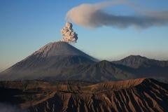 印度尼西亚Java semeru火山 免版税库存照片