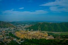 印度斋浦尔琥珀色的堡垒美好的风景在拉贾斯坦 古老印地安宫殿建筑学全景 免版税图库摄影