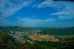 印度斋浦尔琥珀色的堡垒美好的风景在拉贾斯坦 古老印地安宫殿建筑学全景 免版税库存照片
