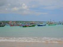 印度洋,海滩在巴厘岛,美丽的海岸 免版税库存图片