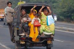 印度的人民由运输去 免版税库存照片