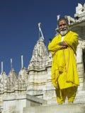 印度耆那教的教士ranakpur寺庙 免版税库存照片