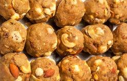 印度自创甜干燥果子laddoo 库存图片