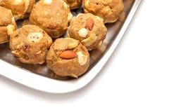印度自创甜干燥果子laddoo 库存照片