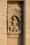 印度雕刻在墙壁上在瓦腊纳西,印度 图库摄影