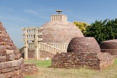 印度,古老佛教stupas在桑吉 免版税库存照片