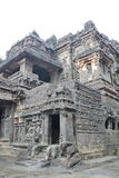 印度,埃洛拉石窟,古老石头被雕刻的Kailasa寺庙,不使16陷下 图库摄影