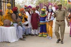 印度,拉贾斯坦,斋浦尔, 2013年3月02日:印地安乐队在Ho 库存图片