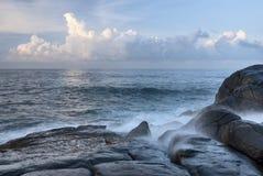 印度洋-斯里兰卡的海岸 免版税库存照片