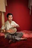 印第安人演奏tabla 图库摄影