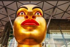 印第安妇女的题头雕塑 库存图片