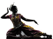 印第安妇女舞蹈演员跳舞剪影 免版税库存图片