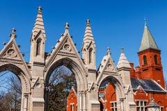 印第安纳波利斯-大约2018年3月:冠小山公墓的哥特式建筑我 免版税库存照片