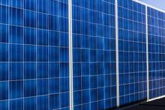 印第安纳波利斯-大约2017年10月:在拖车的流动光致电压的太阳电池板 最后在便携式和备用电II 免版税库存照片