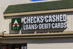 印第安纳波利斯-大约2016年11月:一点现金明确消费者地点 明确一点的现金是发薪日贷款银行我 免版税库存照片