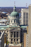 印第安纳波利斯-大约2017年3月:印第安纳状态议院和国会大厦圆顶 它安置州长、汇编和最高法院III 图库摄影