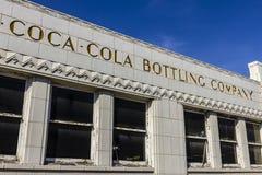 印第安纳波利斯-大约2016年10月:有艺术装饰特点的前可口可乐装瓶厂 在1931 VI开设的焦炭工厂 图库摄影