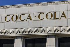 印第安纳波利斯-大约2016年10月:有艺术装饰特点的前可口可乐装瓶厂 在1931 VII开设的焦炭工厂 免版税图库摄影