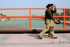 印第安警察妇女 库存照片
