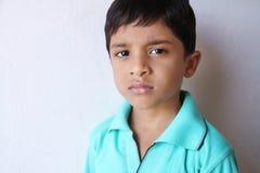 印第安语的男孩哀伤的矮小 库存图片