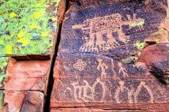 印第安刻在岩石上的文字 免版税库存图片