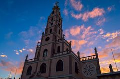 印象深刻的教会和惊人的日落,宿务,菲律宾 免版税库存图片