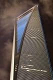 印象深刻的晚上上海摩天大楼 免版税库存照片