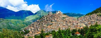 印象深刻的莫拉诺卡拉布罗村庄,卡拉布里亚,意大利 免版税库存照片