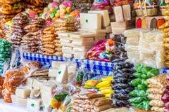 危地马拉糖果摊位,安提瓜岛,危地马拉 库存图片