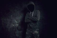 危险无法认出的匿名的犯罪身分在前面 免版税库存照片